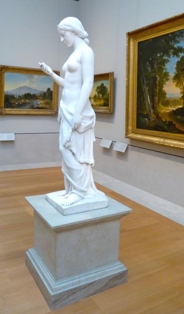 estatua-de-marmol-de-1850-en-el-metropolitan